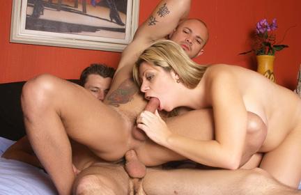 Melissa Slurps Bisexual Dicks